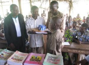 Benin_2012_Uebergabe